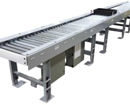 tote bin conveyor for robot loading